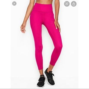 Victoria's Secret Sport Highwaisted 7/8 Leggings